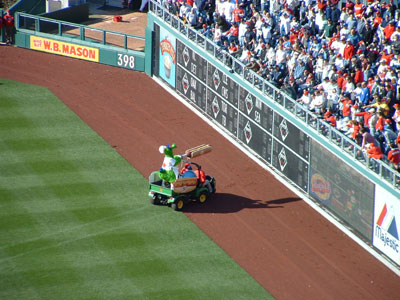 OPENING DAY 2005: Phillie Phanatic fires Hatfield hot dogs at spectators, few injuries