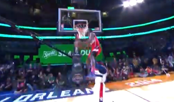 wall-dunk-over-g-man-screengrab