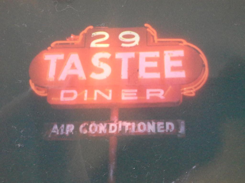 29 Tastee Diner, circa 1995